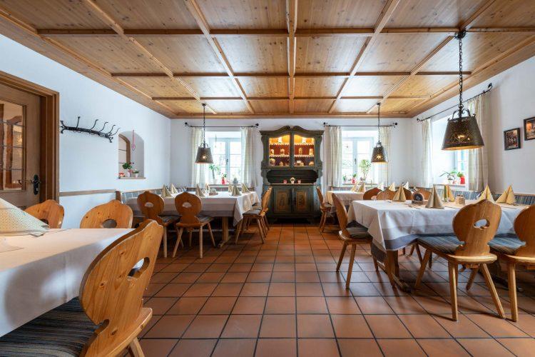 Hotel Stern Seehausen Restaurant und alter Schrank