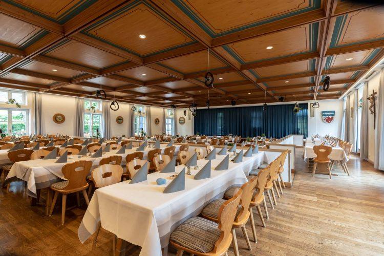 Grosse-Saal-Feiern-Hochzeiten-Seehausen